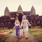 girls at angkor wat