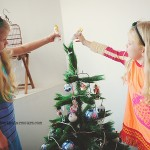 Decorating-the-tree02